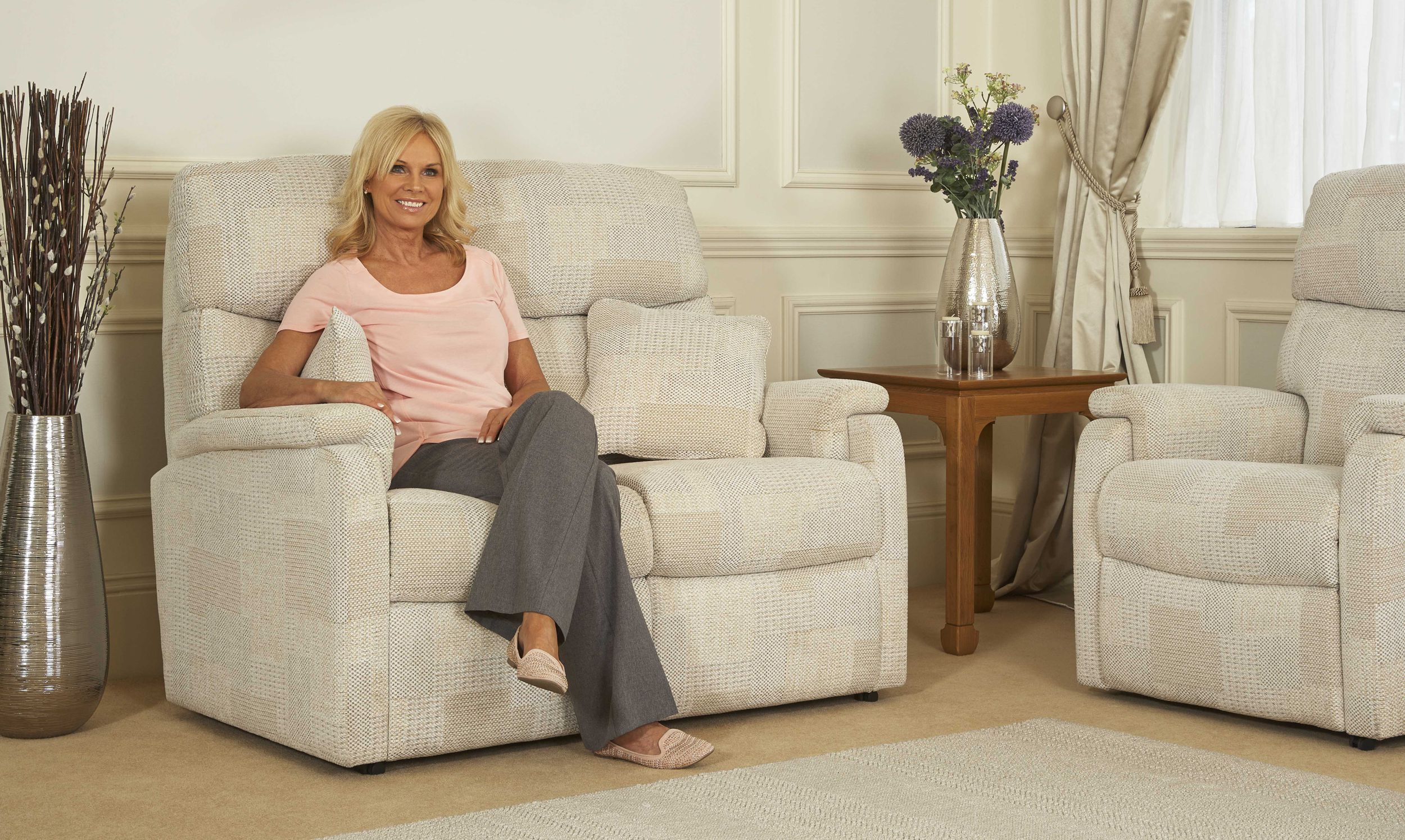 Arun Furnishers Ltd based in Littlehampton, West Sussex supply quality furniture for the home - sofas & suites